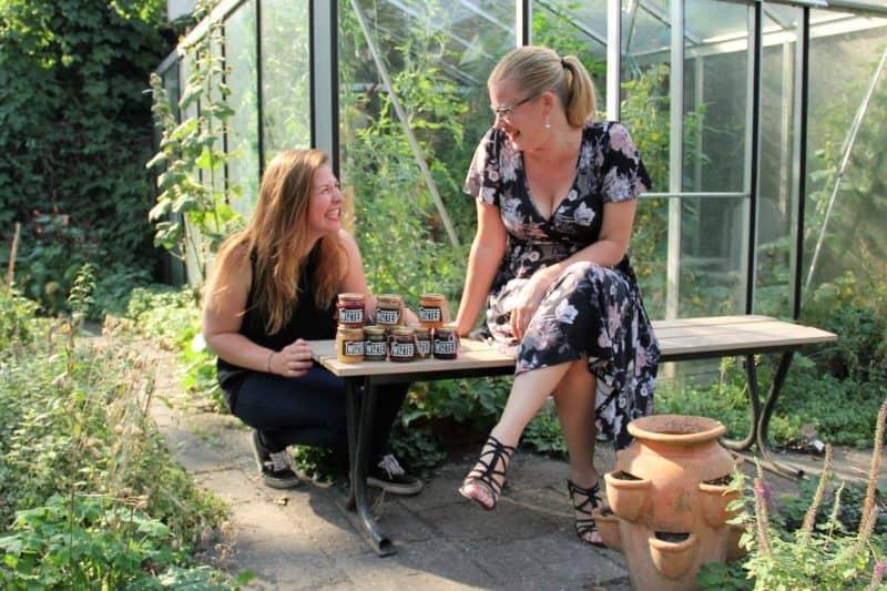 Angela en Mirjam, de breinen achter geweldige smaakcombinaties. Foto: Markt om de Hoek