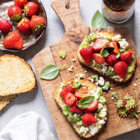 Toast met aardbeien en Gran moro